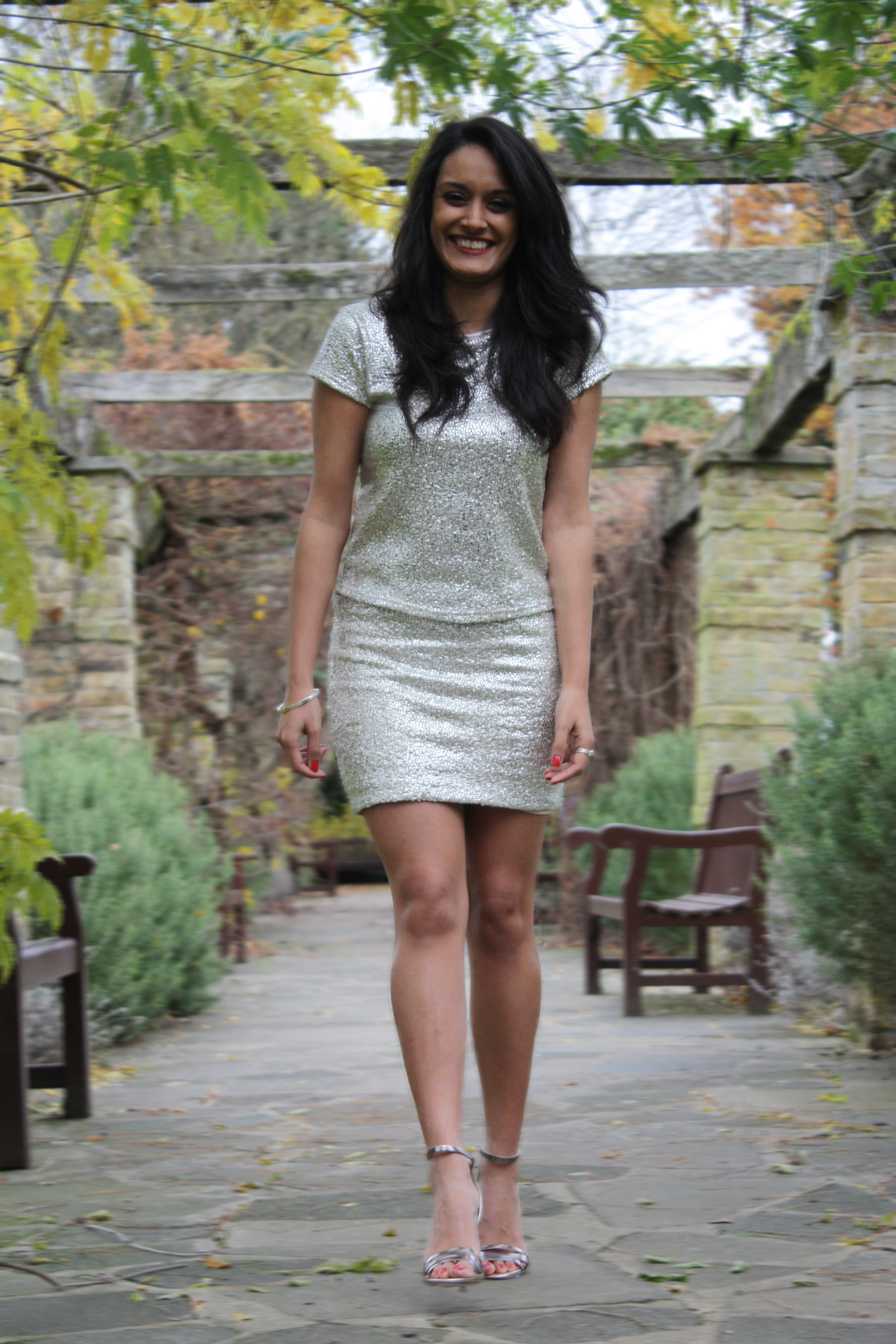 What To Wear With Silver Heels